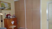 Igényesen kialakított beépített szekrény